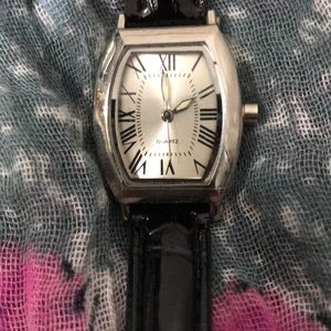 🛍NWOT Quartz Watch